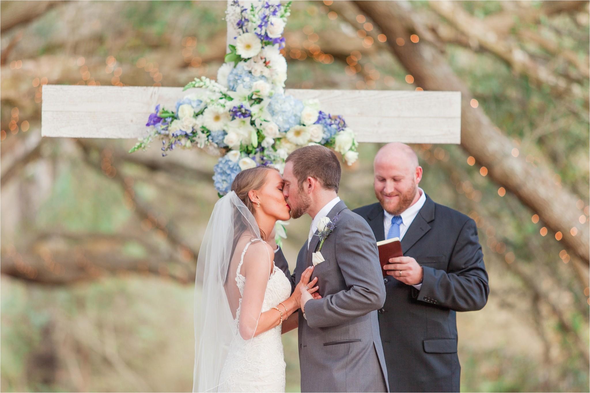 first kiss Oak Hollow Farm Wedding