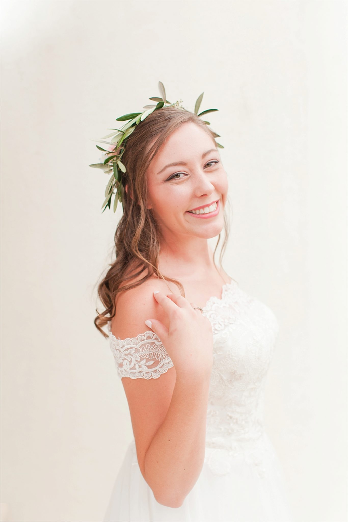 Bridal Portrait Session at Spring Hill College-Byrne Hall-Ginny-Alabama photographer-Wedding bouquet-Bride-Wedding dress-Bridal shoot inspiration