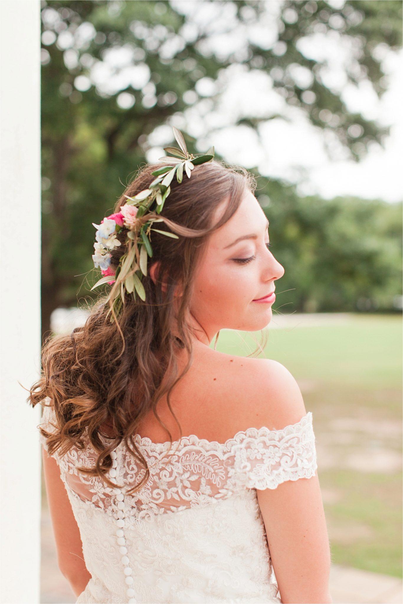 Bridal Portrait Session at Spring Hill College-Byrne Hall-Ginny-Alabama photographer-Wedding bouquet-Bride-Wedding dress-Bridal shoot inspiration-Wedding hair