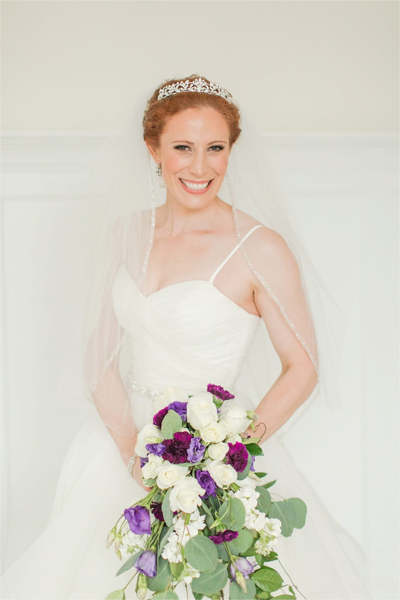Bridal Session at The Pillars of Mobile-Mobile Alabama Wedding Photographer-Sarra-Bridal session-Wedding dress-Wedding bouquet
