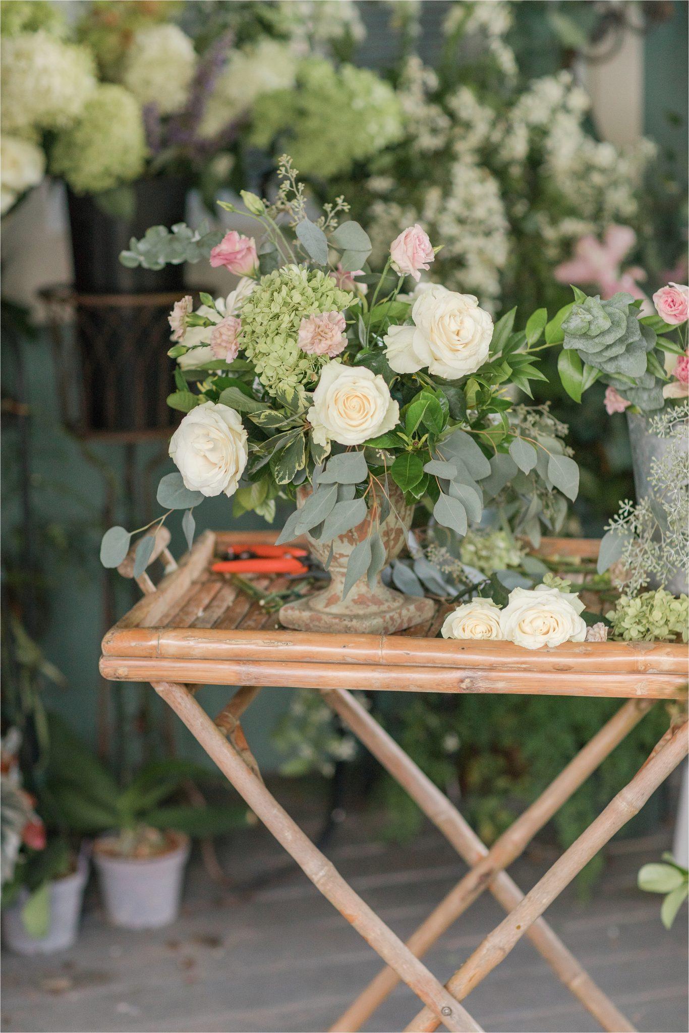 wedding-florals-roses-centerpieces-alabama-wedding-photographer