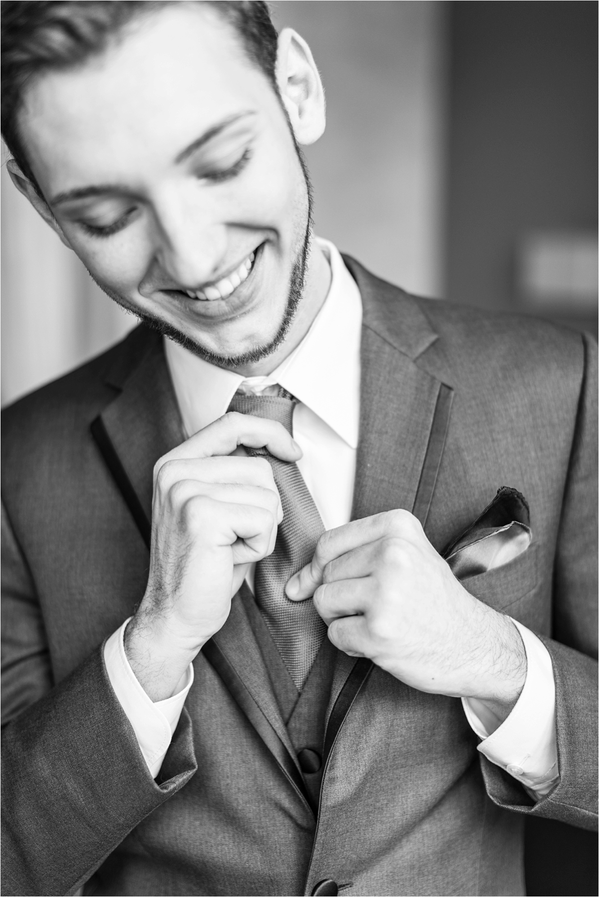 groom-tie-wedding-alabama-photographer-getting-ready
