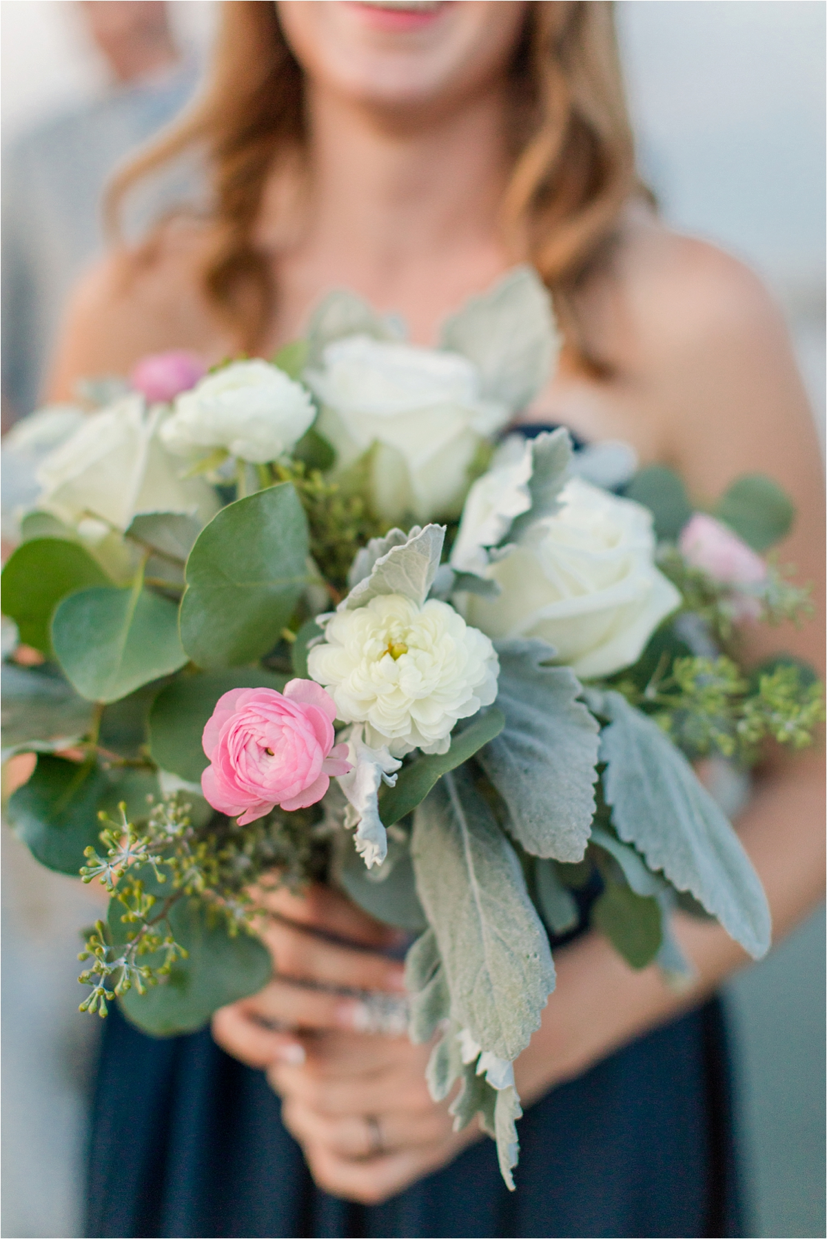 bridal-bouquet-blush-navy-bridesmaid-wedding-alabama-wedding-photographer
