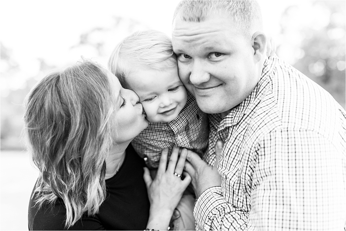 alabama-family-portrait-photographer-family of three-ideas