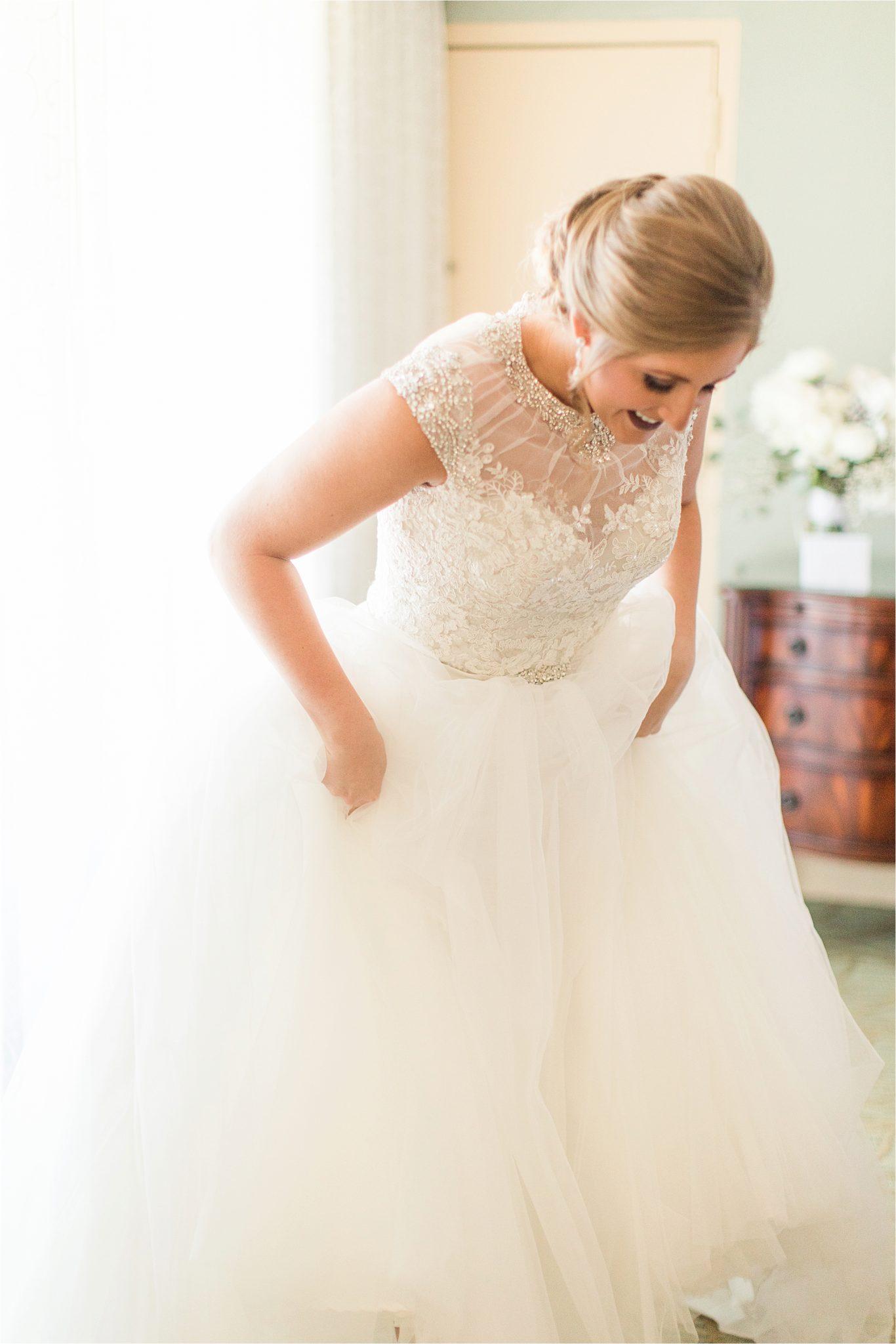 Winter Wedding-Neutral Wedding-Alabama Bride-St Francis at the Point-White Lace Wedding Dress