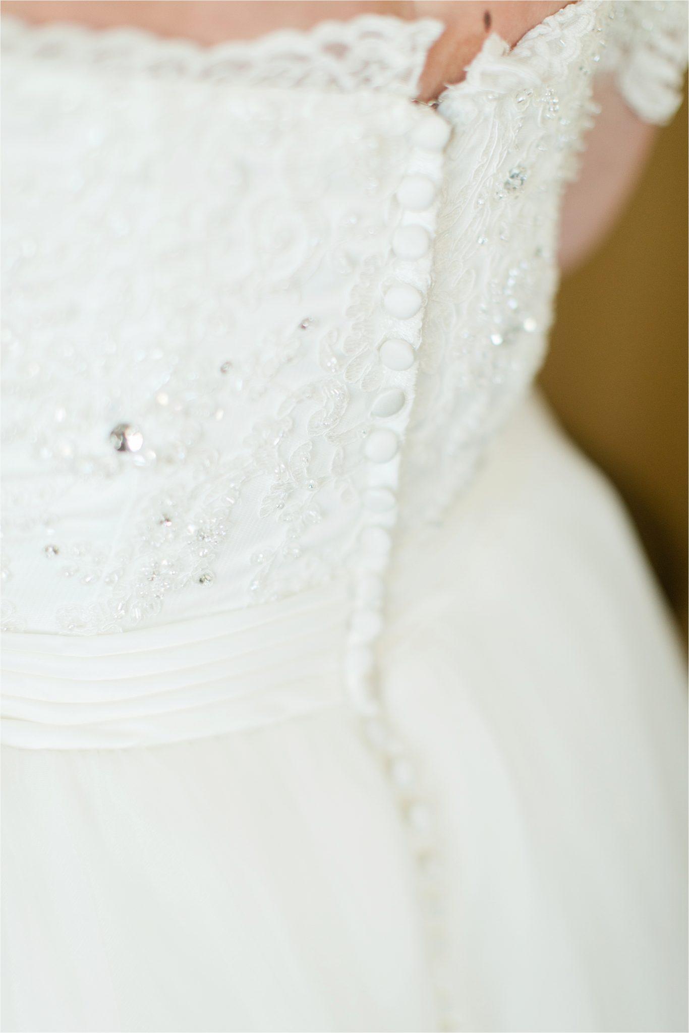 wedding-dress-detail-buttons-back-alabama-wedding-photographer
