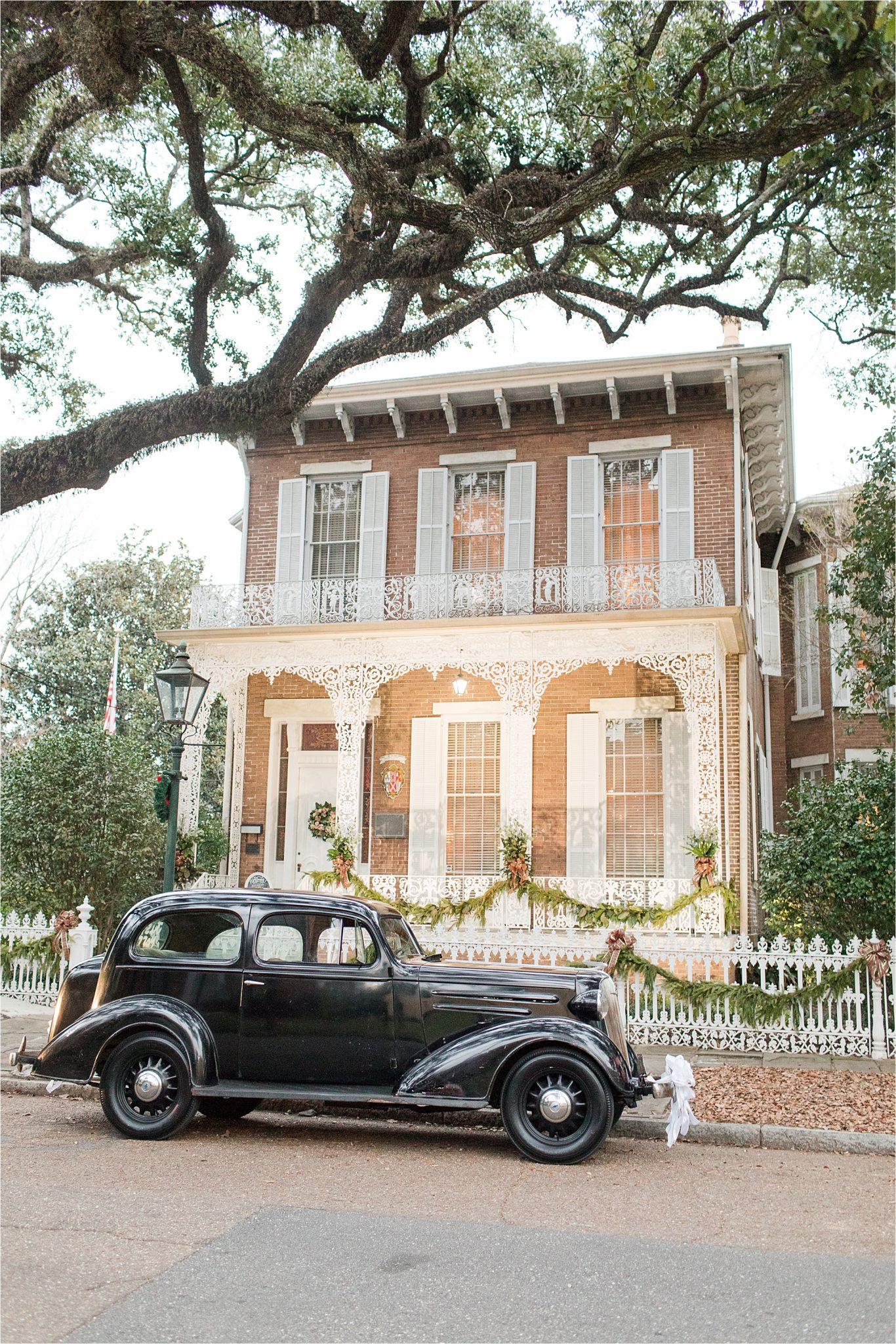 Richards DAR house-downtown-mobile-antique-vintage-car-wedding-reception-venue-alabama-mobile-wedding-photographer