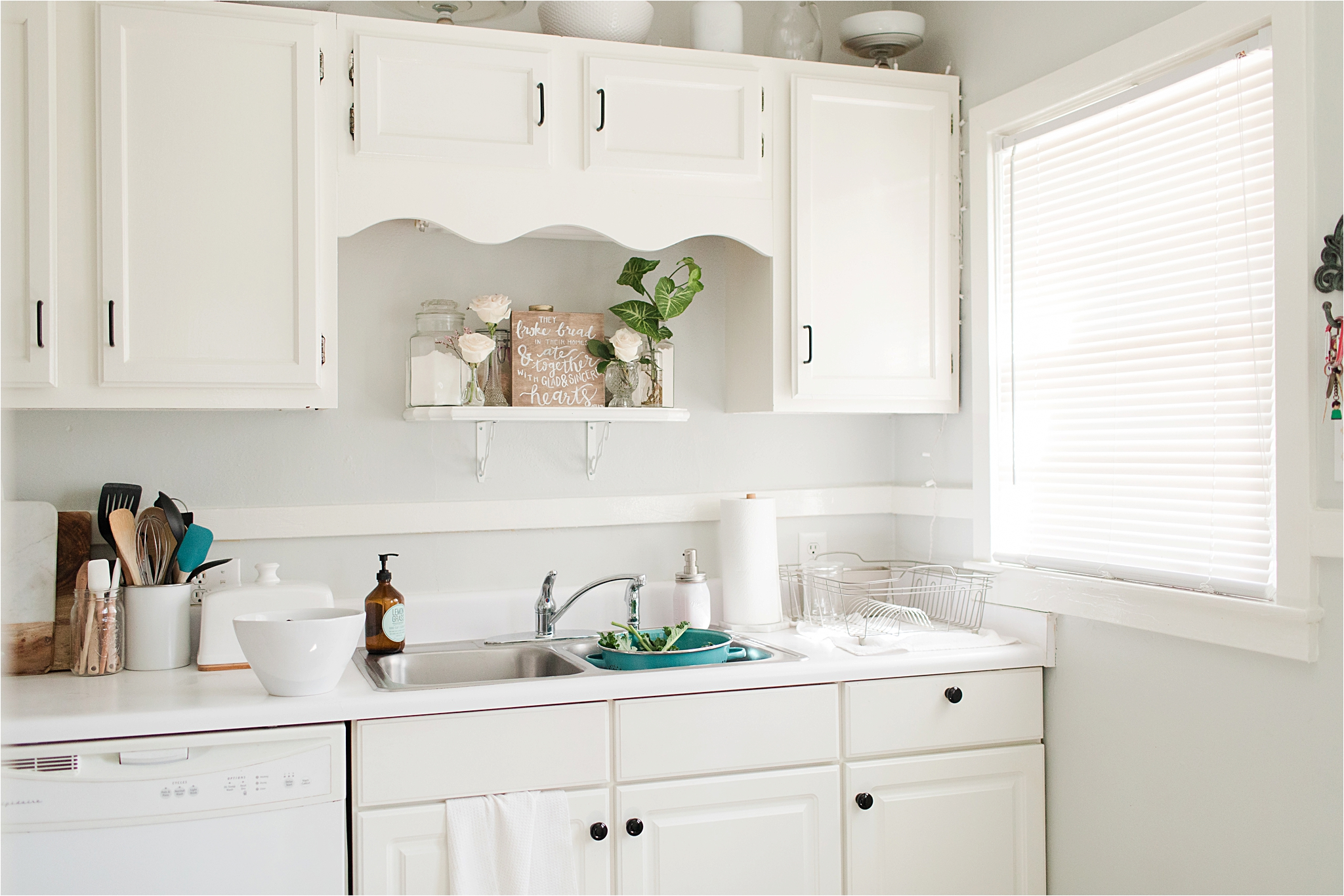 white-kitchen-house-home-kitchen-sink