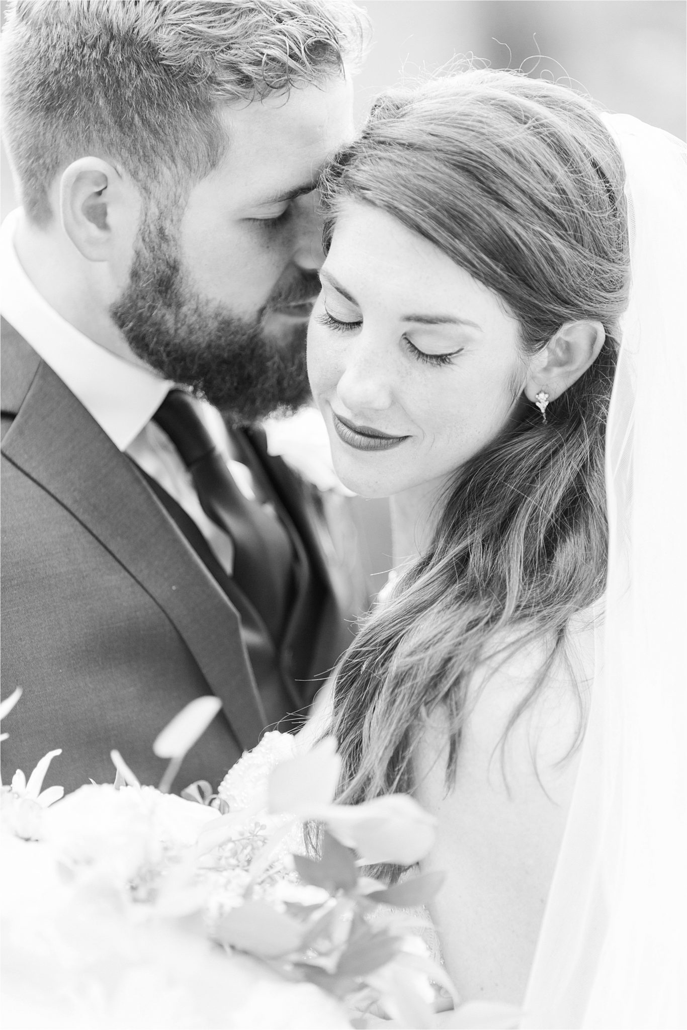 bride and groom-wedding photos-portraits-close ups-precious moments