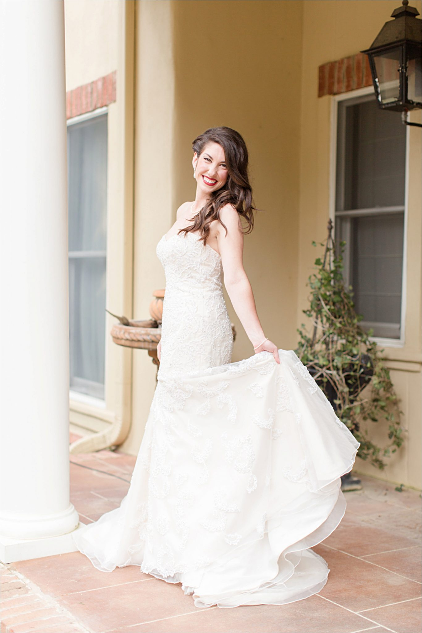 Bella sera gardens-mermaid wedding stress-flare skirt-loose curls-wedding hair