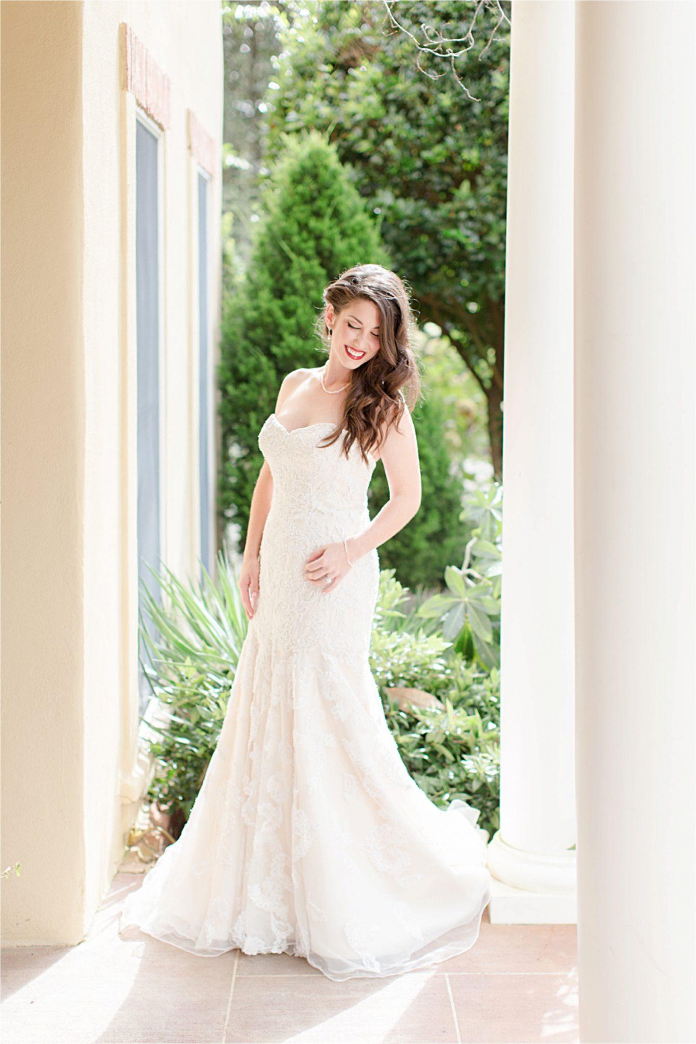 Bella sera gardens-mermaid wedding stress-flare skirt-loose curls-wedding hair