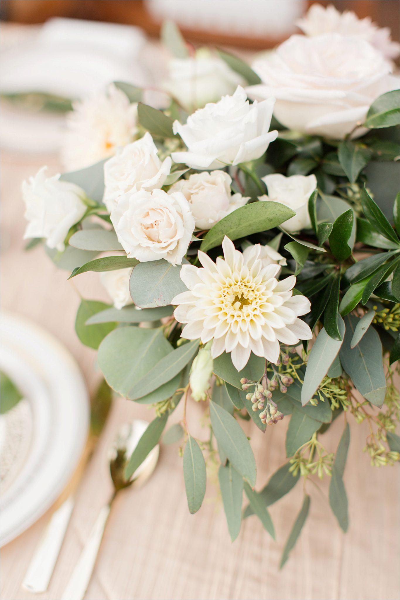 wedding-florals-flowers-white-roses-chrysanthemum