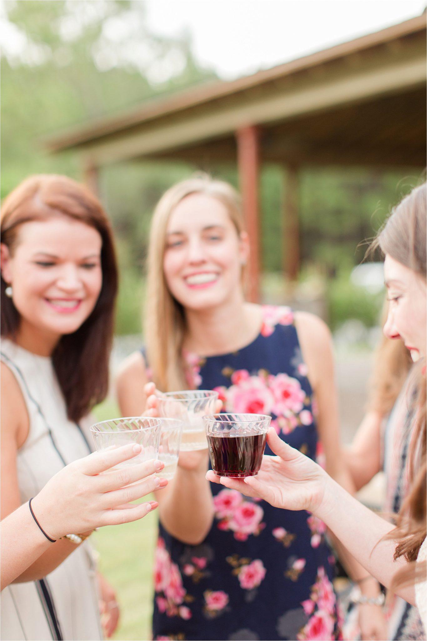 rehearsal-dinner-drinks-wine-