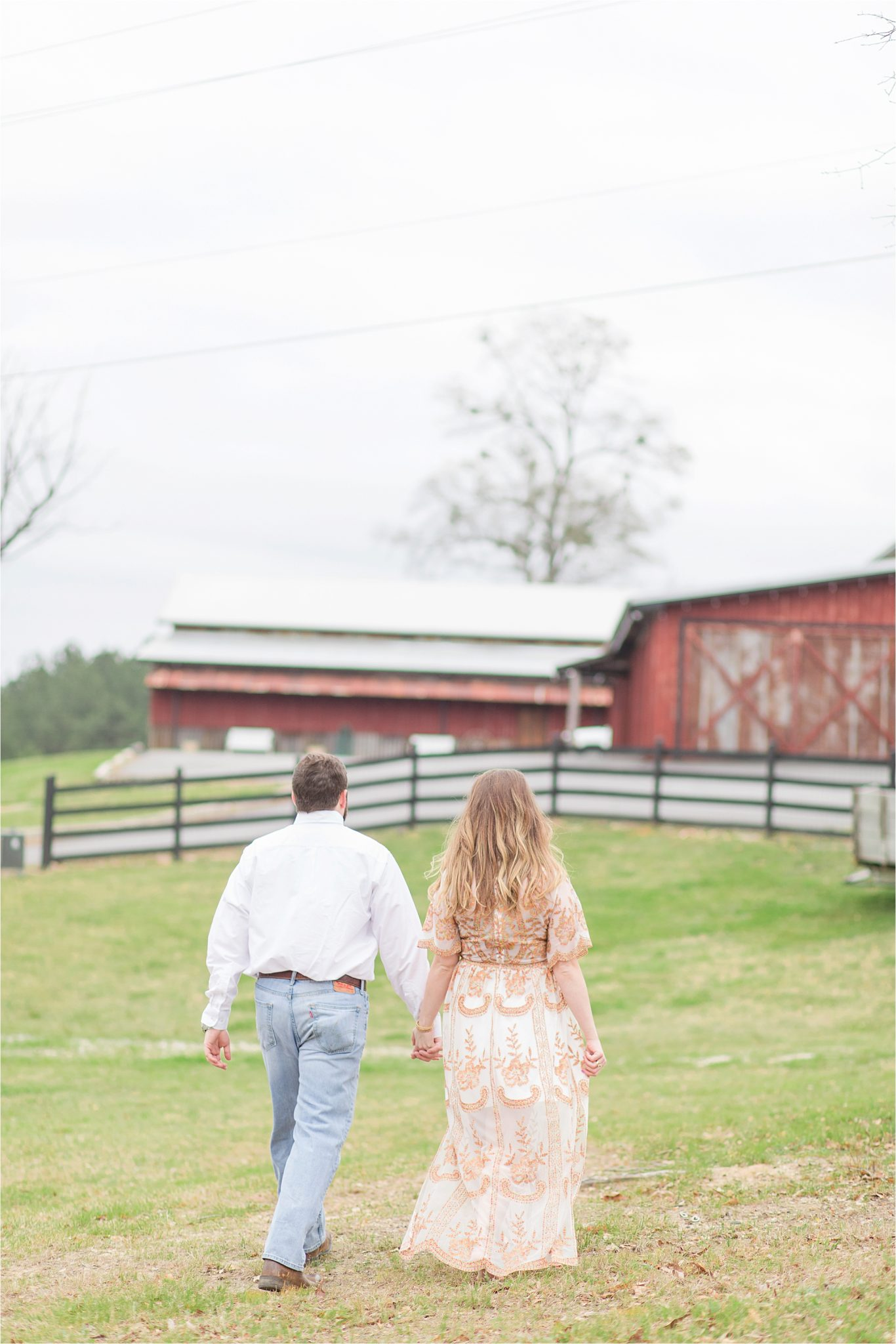 auburn-alabama-wedding-photographer-engagement-sessions-barn-farm