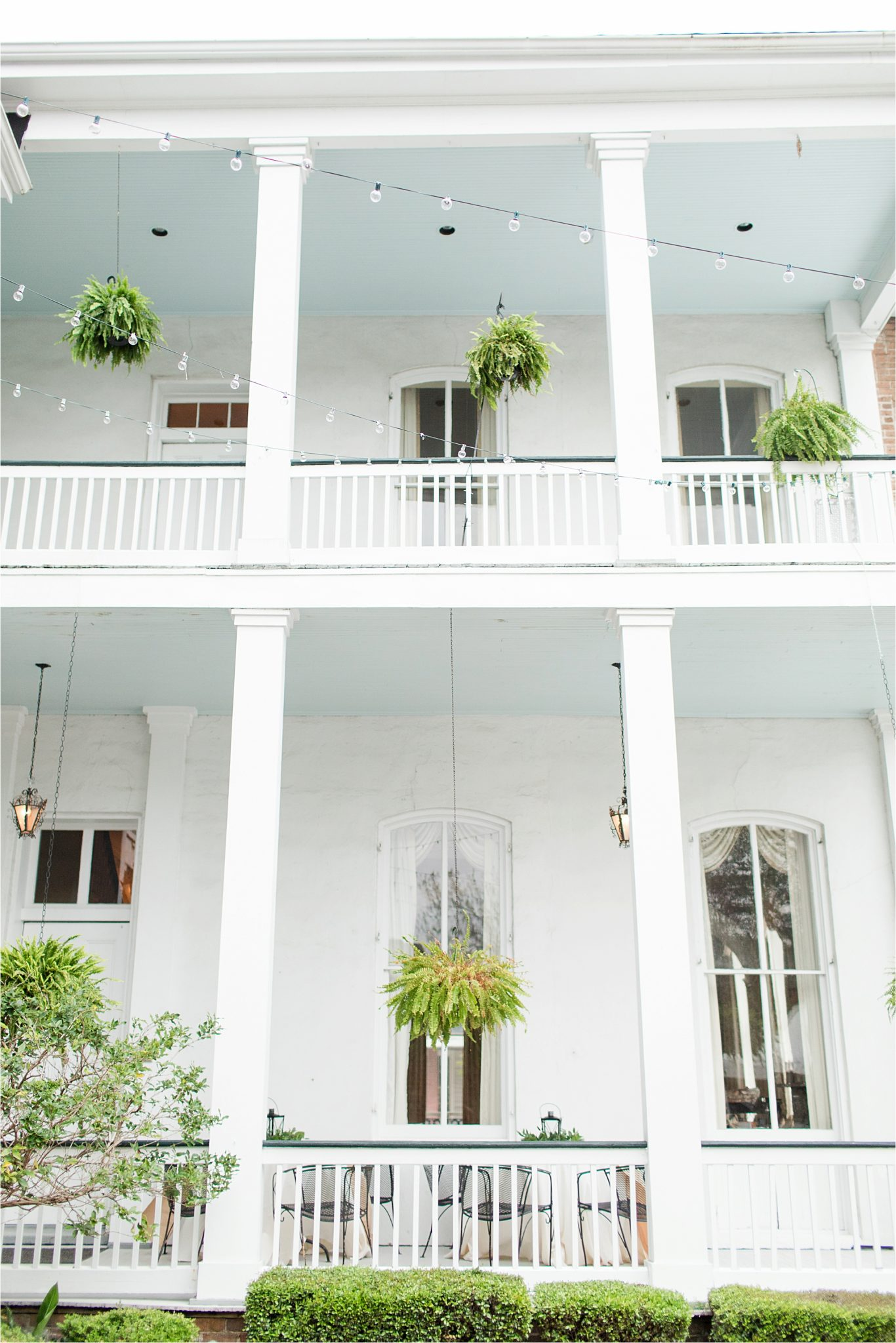 ezell house historic downtown mobile-alabama-wedding venue-drapping lights