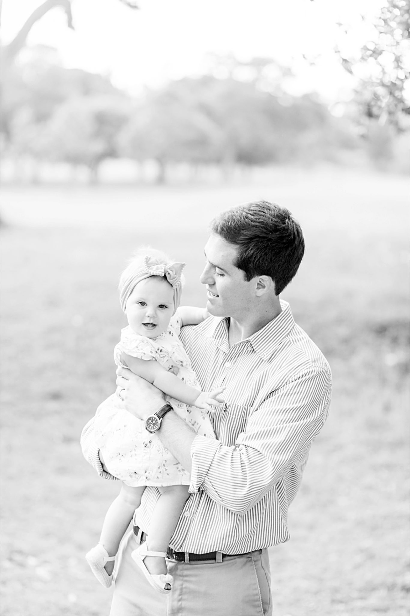daddy daughter photo-family photographer in Alabama-toddler photography