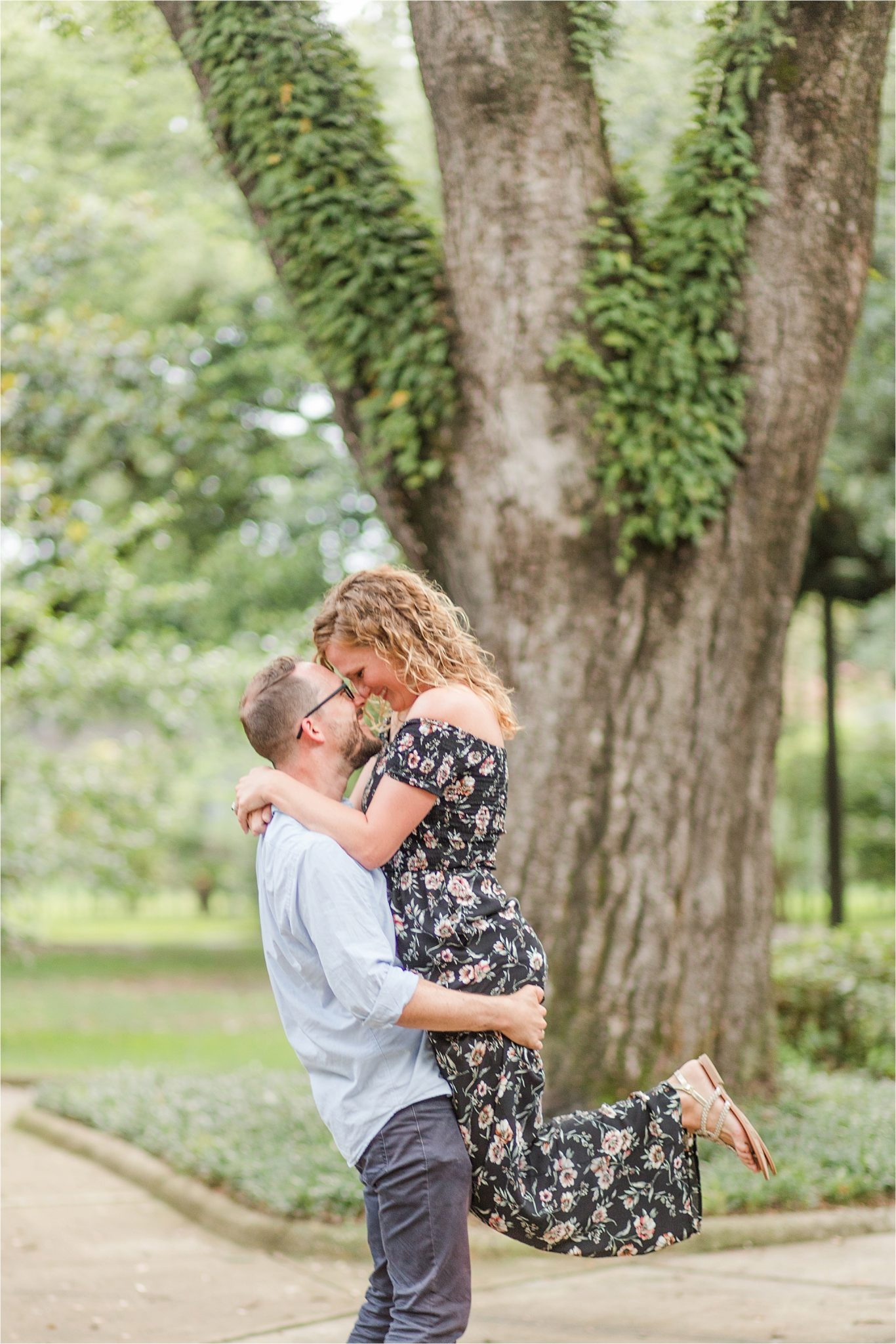 cute couple photos-Alabama family photographer-couple portraits-candid-husband and wife