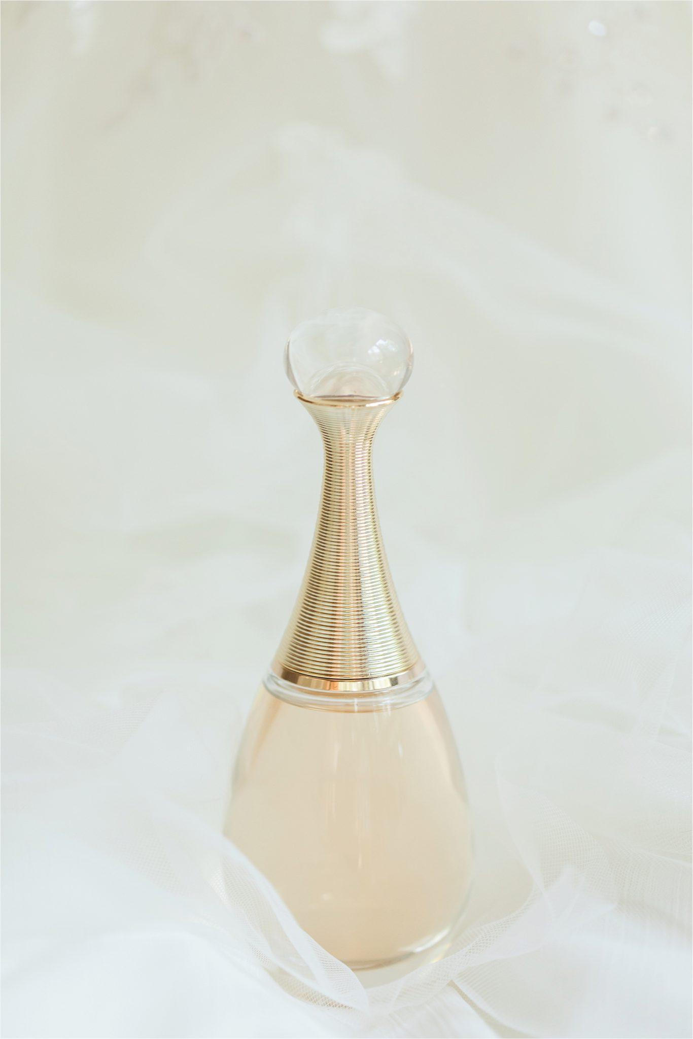 Bridal perfume-parfume-beautiful perfume bottle-modern shape-alabama wedding photographer