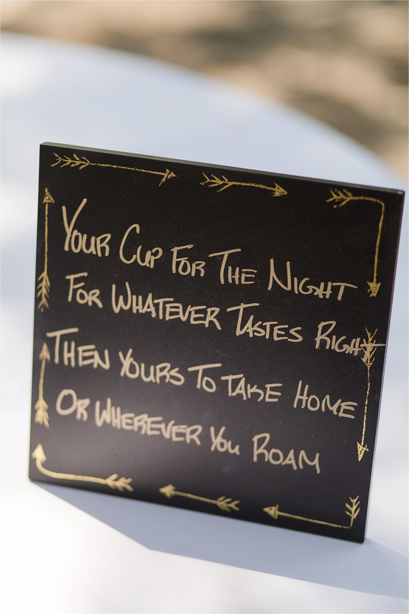 unique wedding favor ideas-wedding signs-cups as wedding favors-new guest gifts