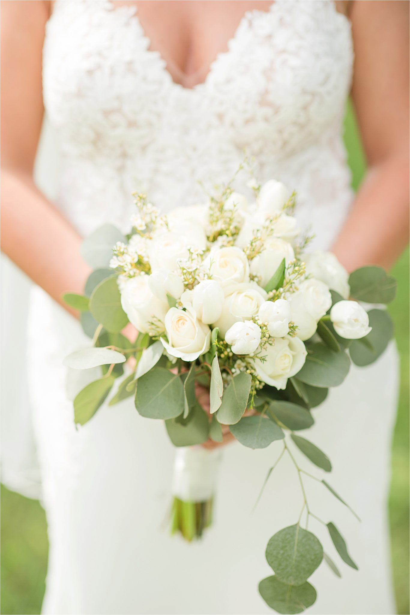Hedge Farm Wedding, Alabama Wedding Photographer, Barn Wedding, Wedding florals, Neutrals