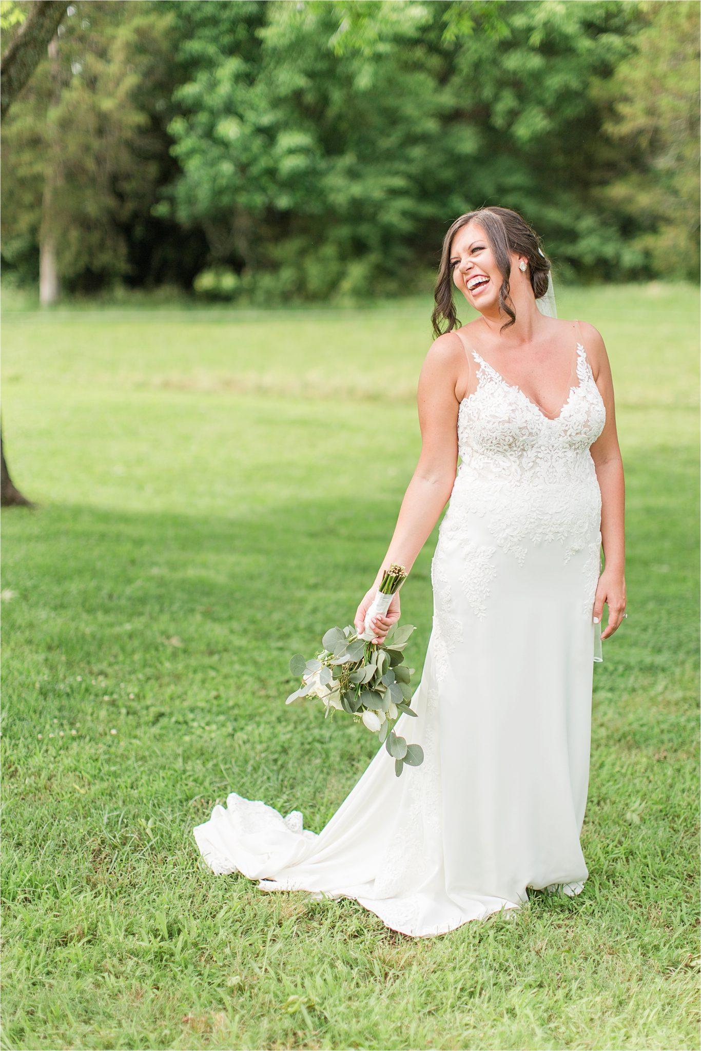 Hedge Farm Wedding, Alabama Wedding Photographer, Barn Wedding, Bride, Neutrals