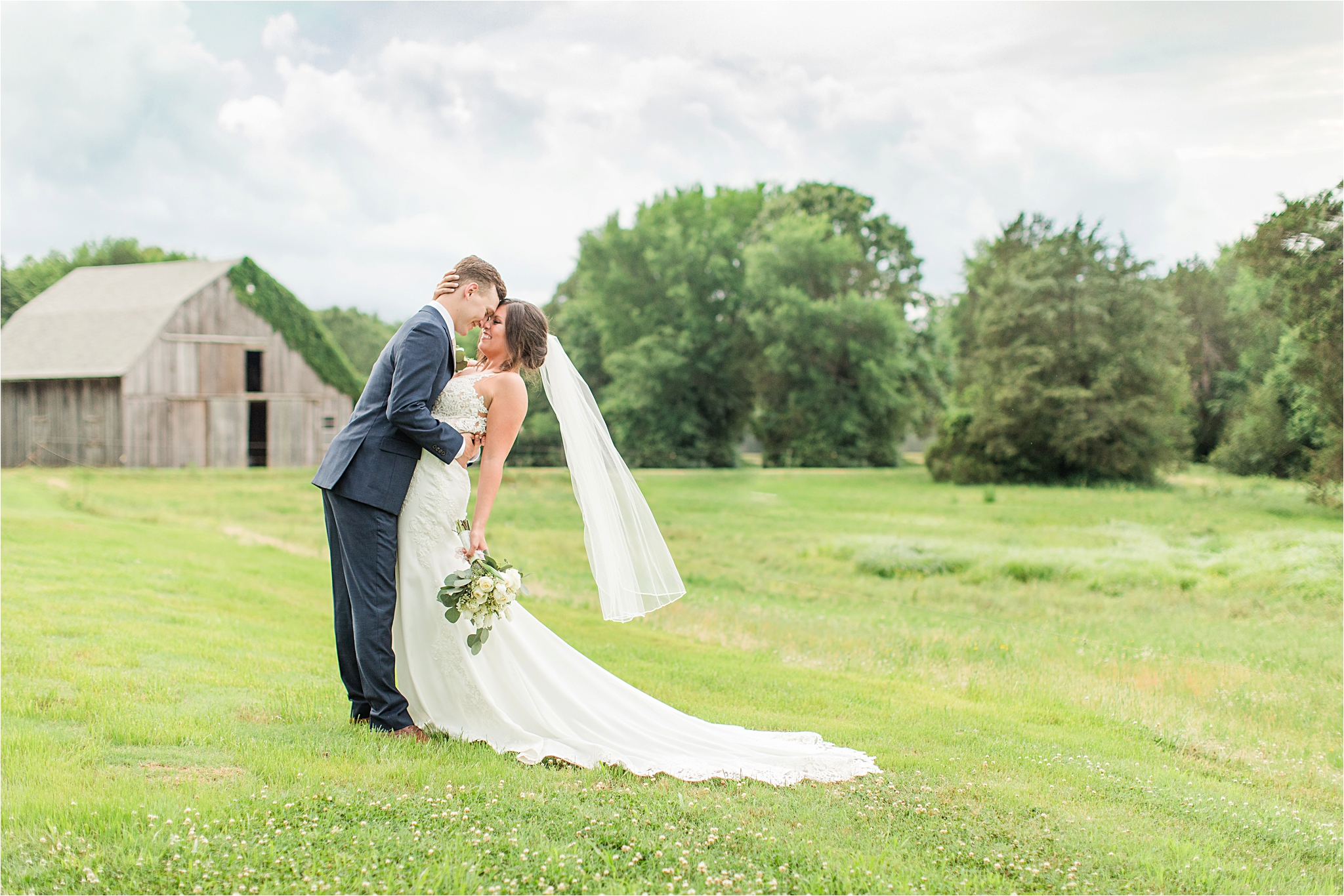 Hedge Farm Wedding | Alabama Wedding Photographer | Barn Wedding |