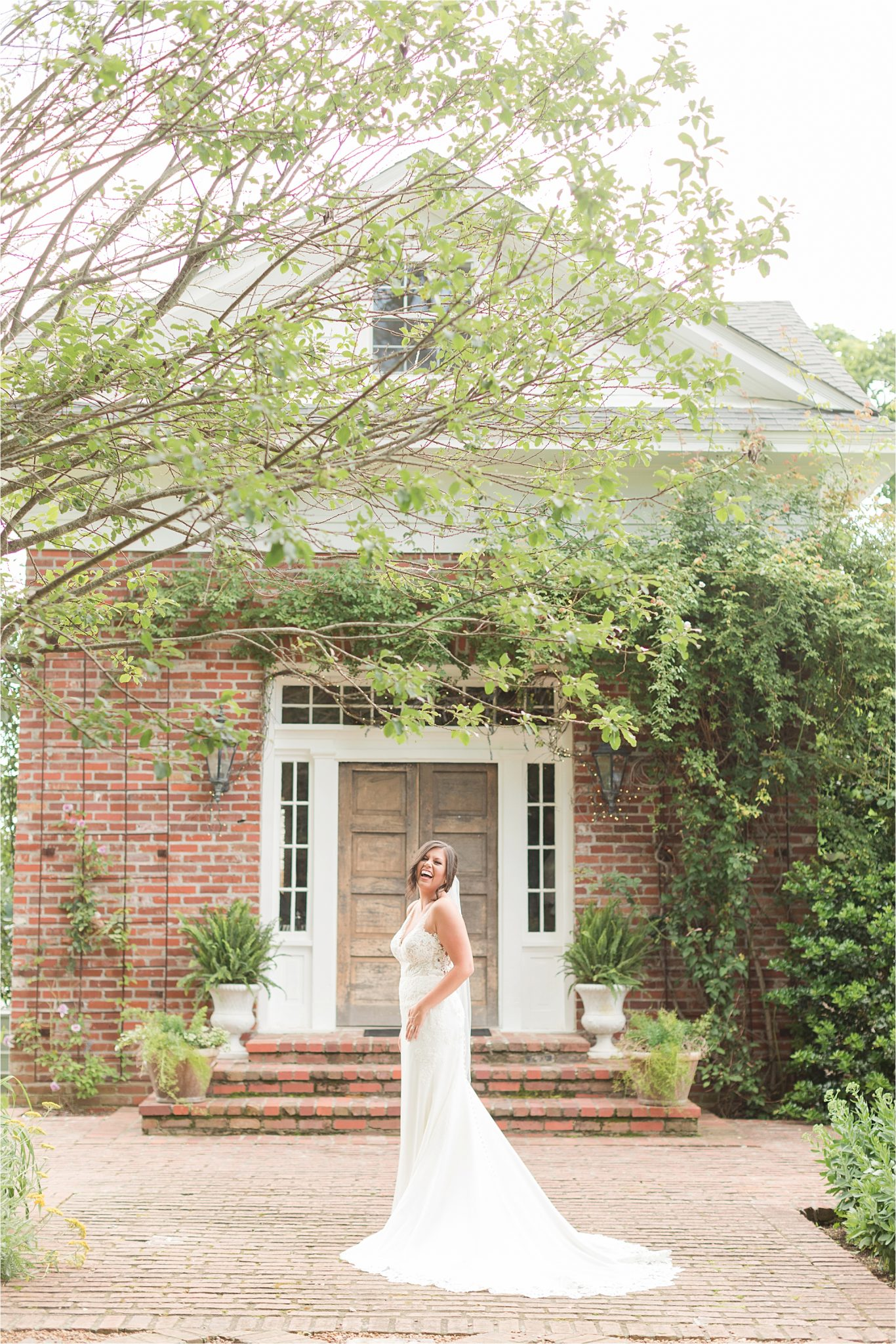 Hedge Farm Wedding, Alabama Wedding Photographer, Barn Wedding, Bride, Wedding dress, Neutrals