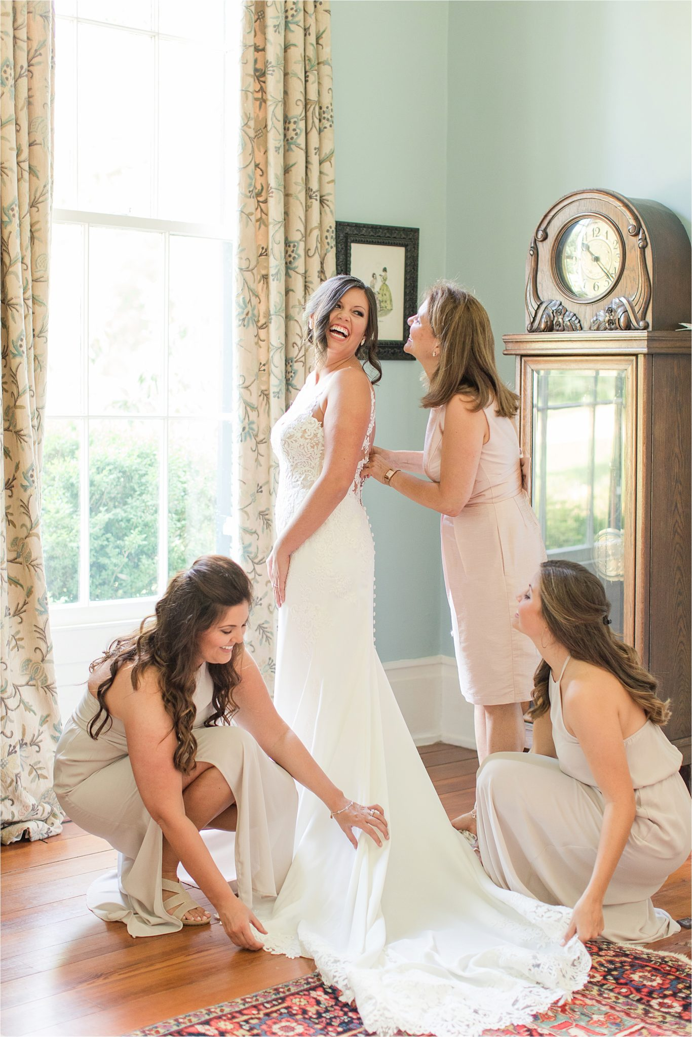 Hedge Farm Wedding | Alabama Wedding Photographer | Barn Wedding | Brides and bridesmaids