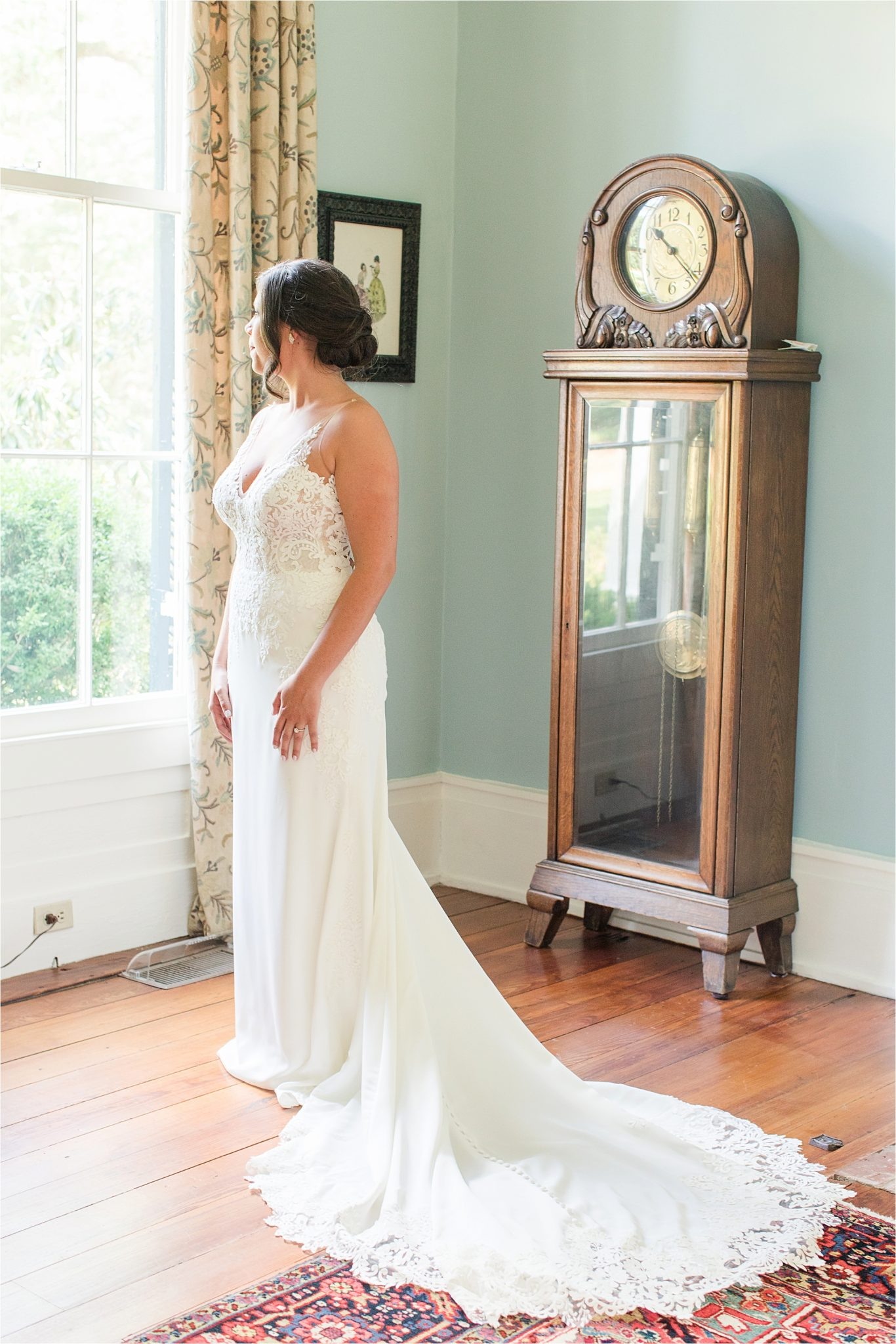 Hedge Farm Wedding | Alabama Wedding Photographer | Barn Wedding | Wedding Dress