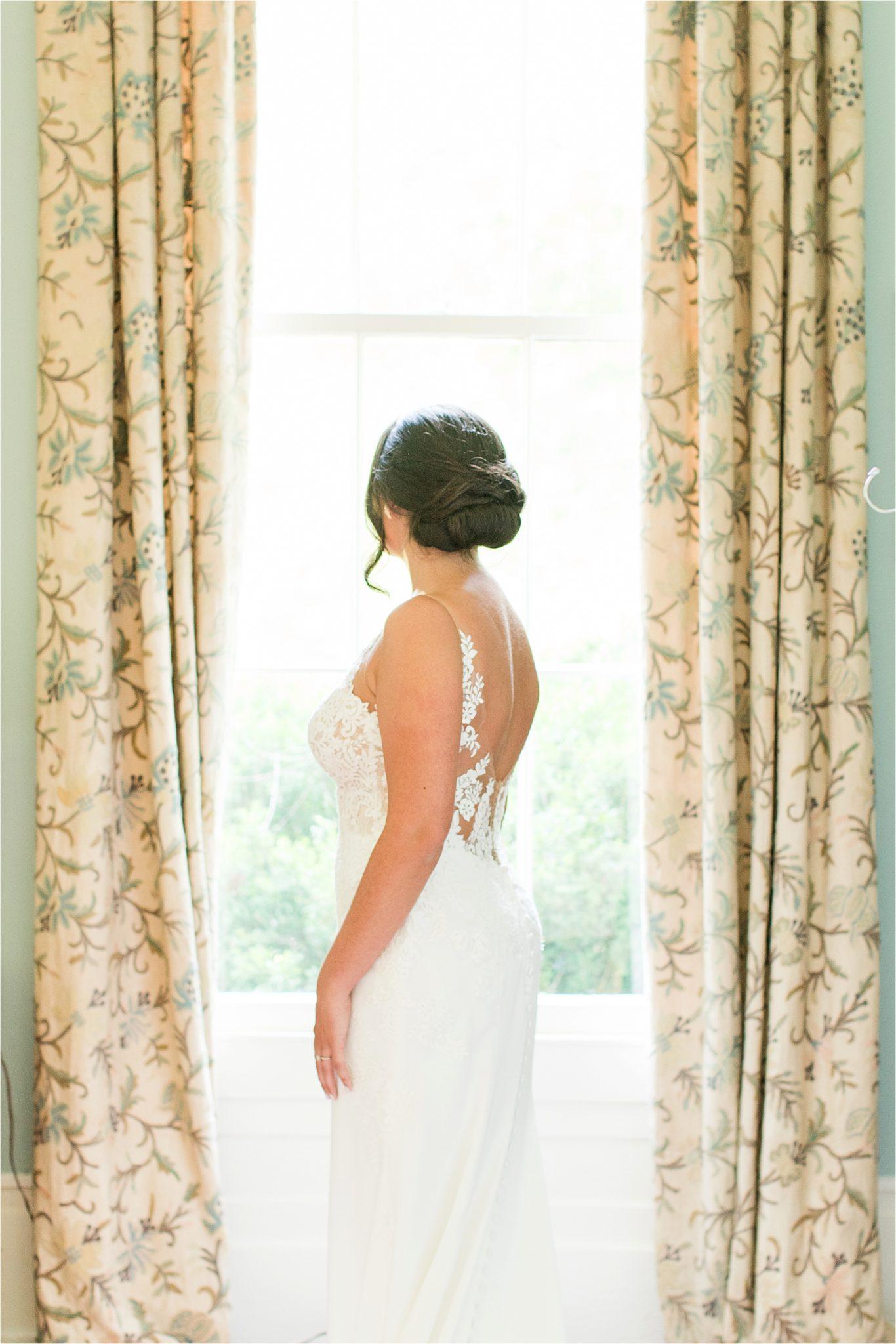 Hedge Farm Wedding , Alabama Wedding Photographer, Barn Wedding, Wedding Dress