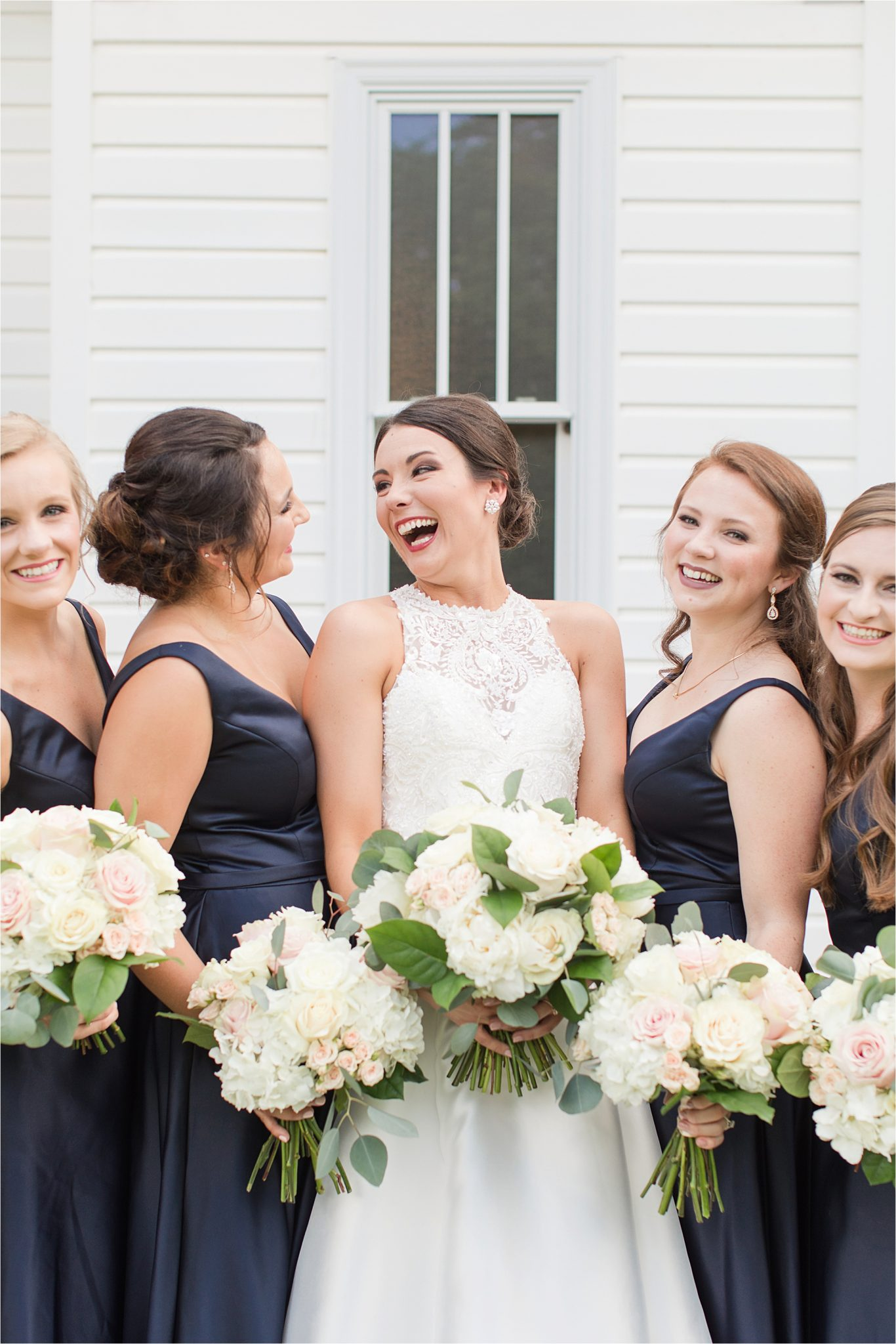 Sonnet House, Birmingham Alabama Wedding Photographer, Bride and bridesmaid, Wedding bouquets