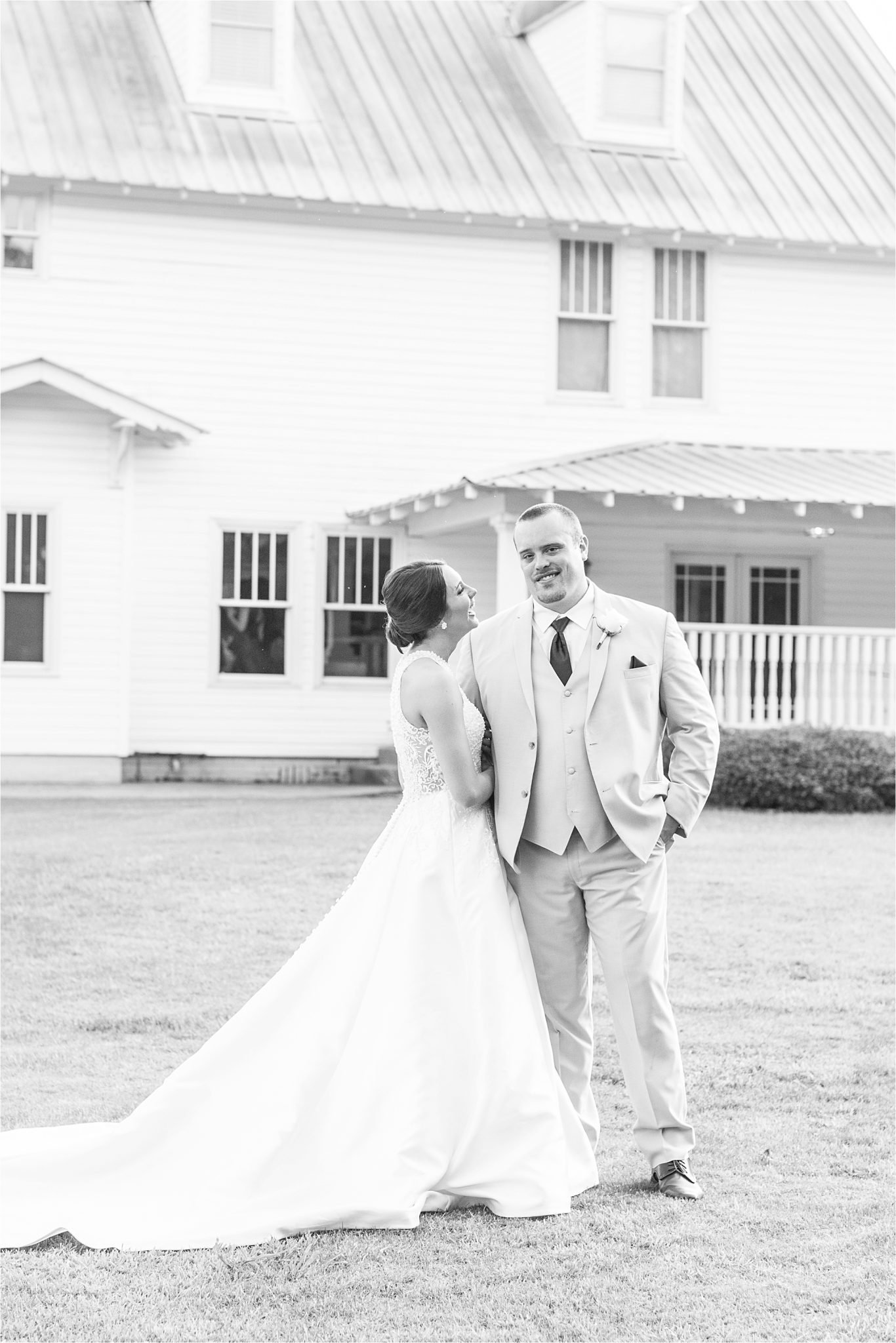 Sonnet House, Birmingham Alabama Wedding Photographer, Romantic wedding shoot
