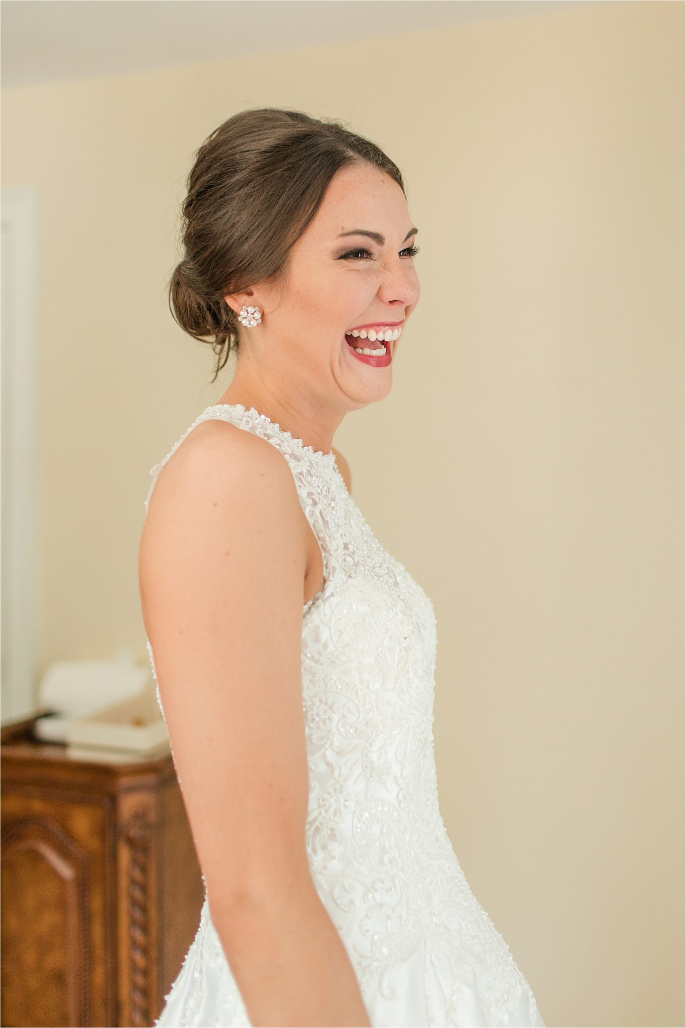 Sonnet House, Birmingham Alabama Wedding Photographer, Bridal portrait, Wedding dress reveal