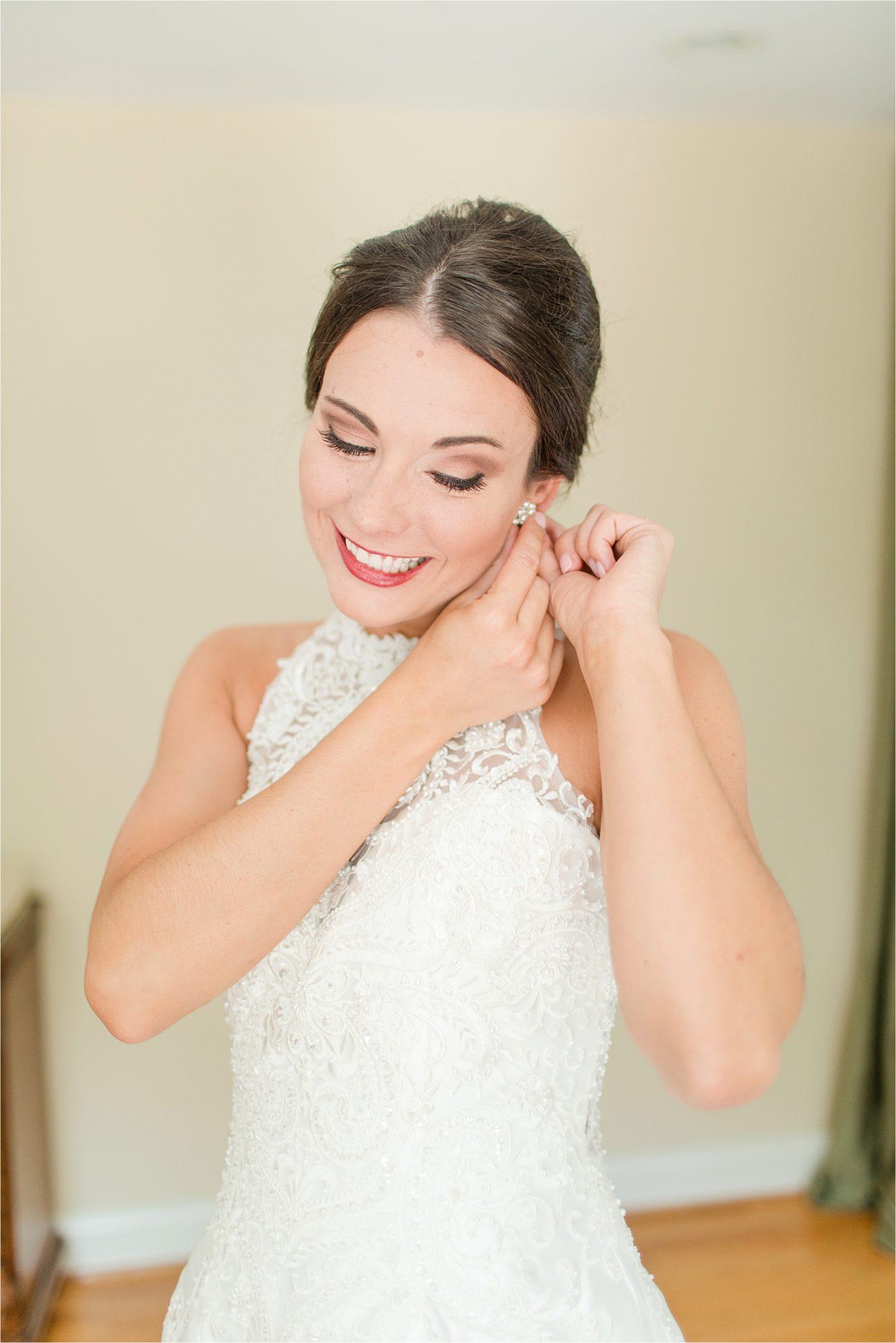 Sonnet House, Birmingham Alabama Wedding Photographer, Wedding dress