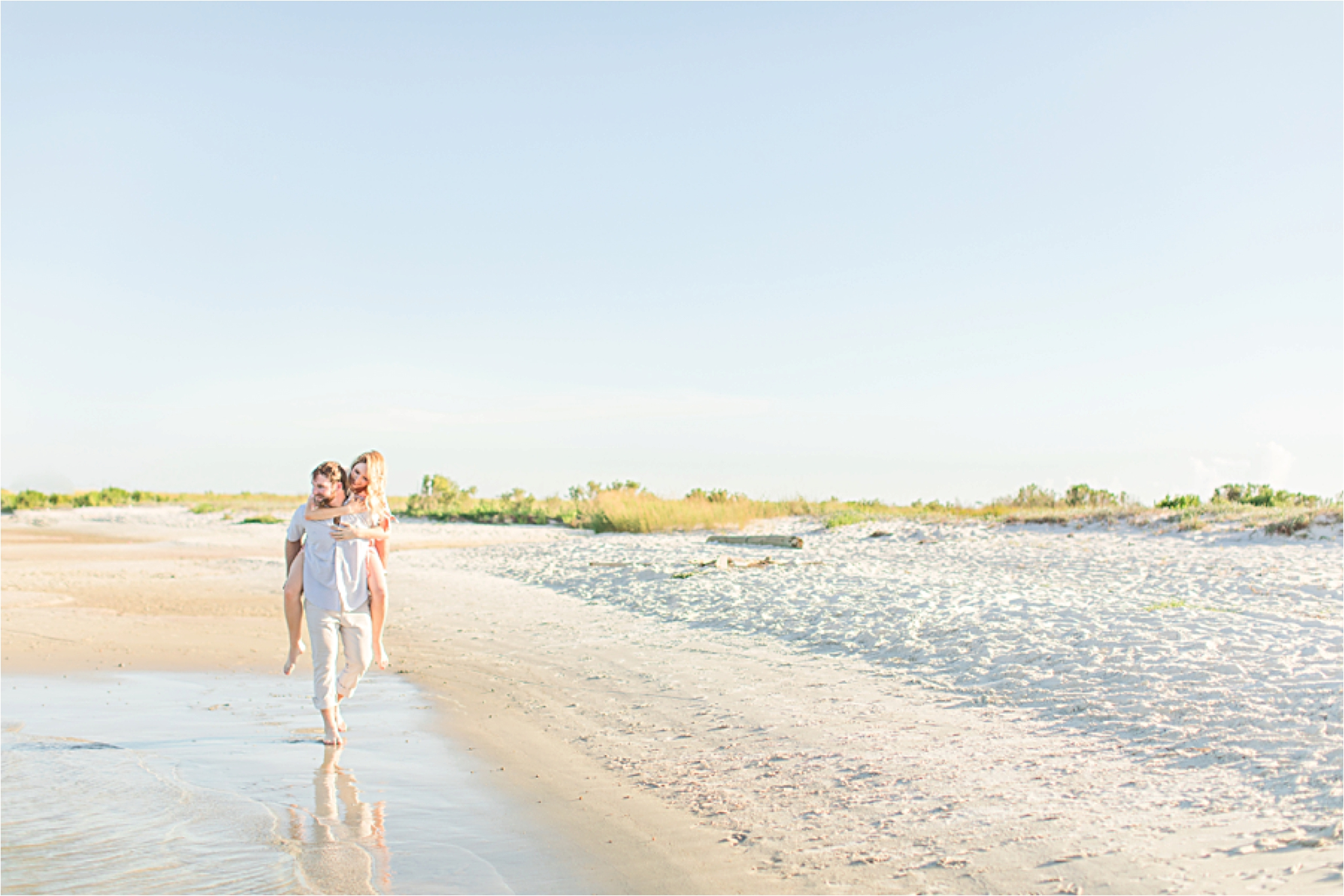 Beach engagement photos | Daulphin Island | Mobile wedding photographer | Candid couples |