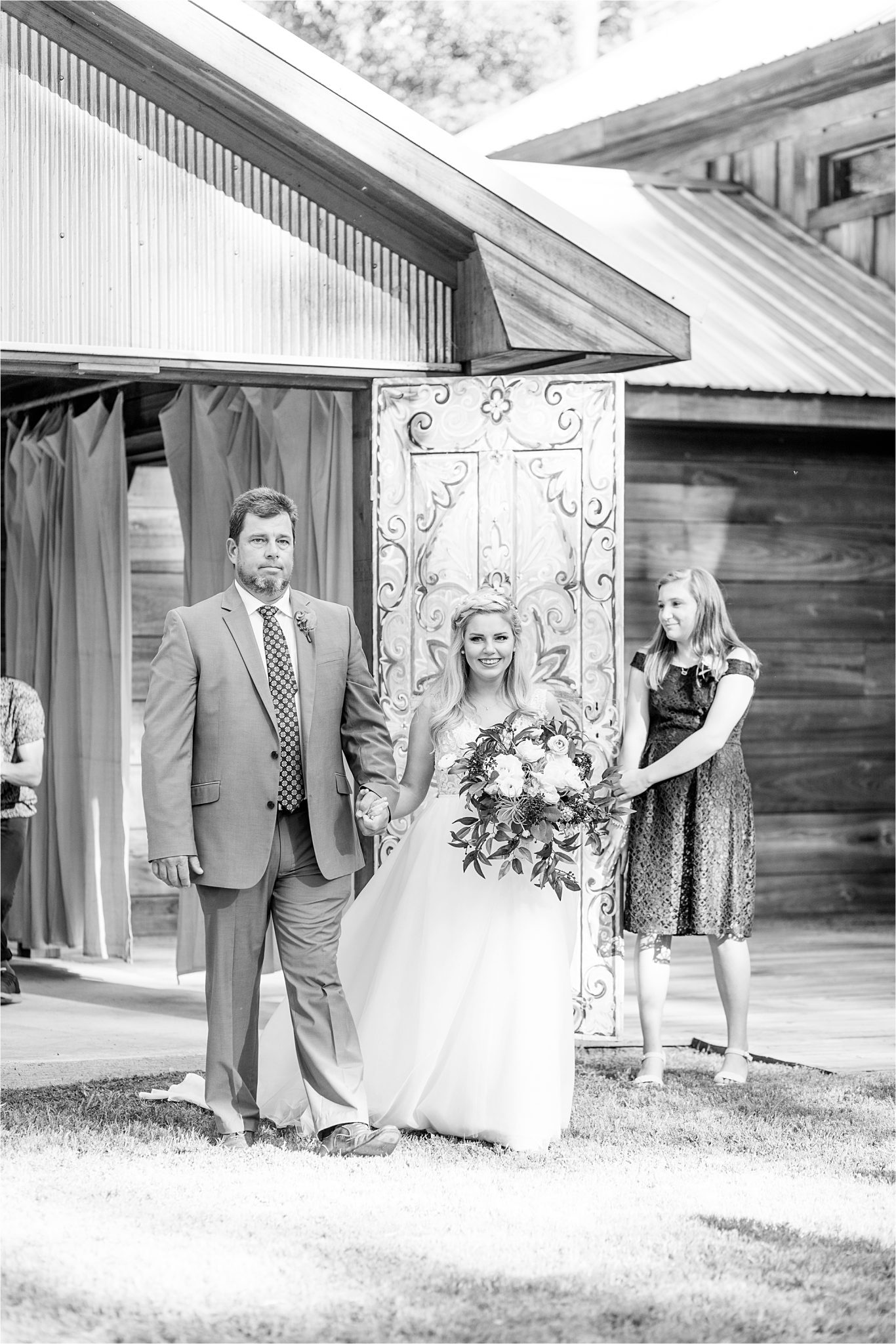 bride-father-down-aisle-barn-doors-special-bridal-entrance