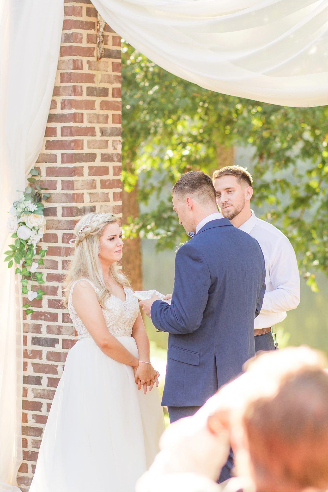wedding-ceremony-alabama-wedding-photographer-blue-navy-vows