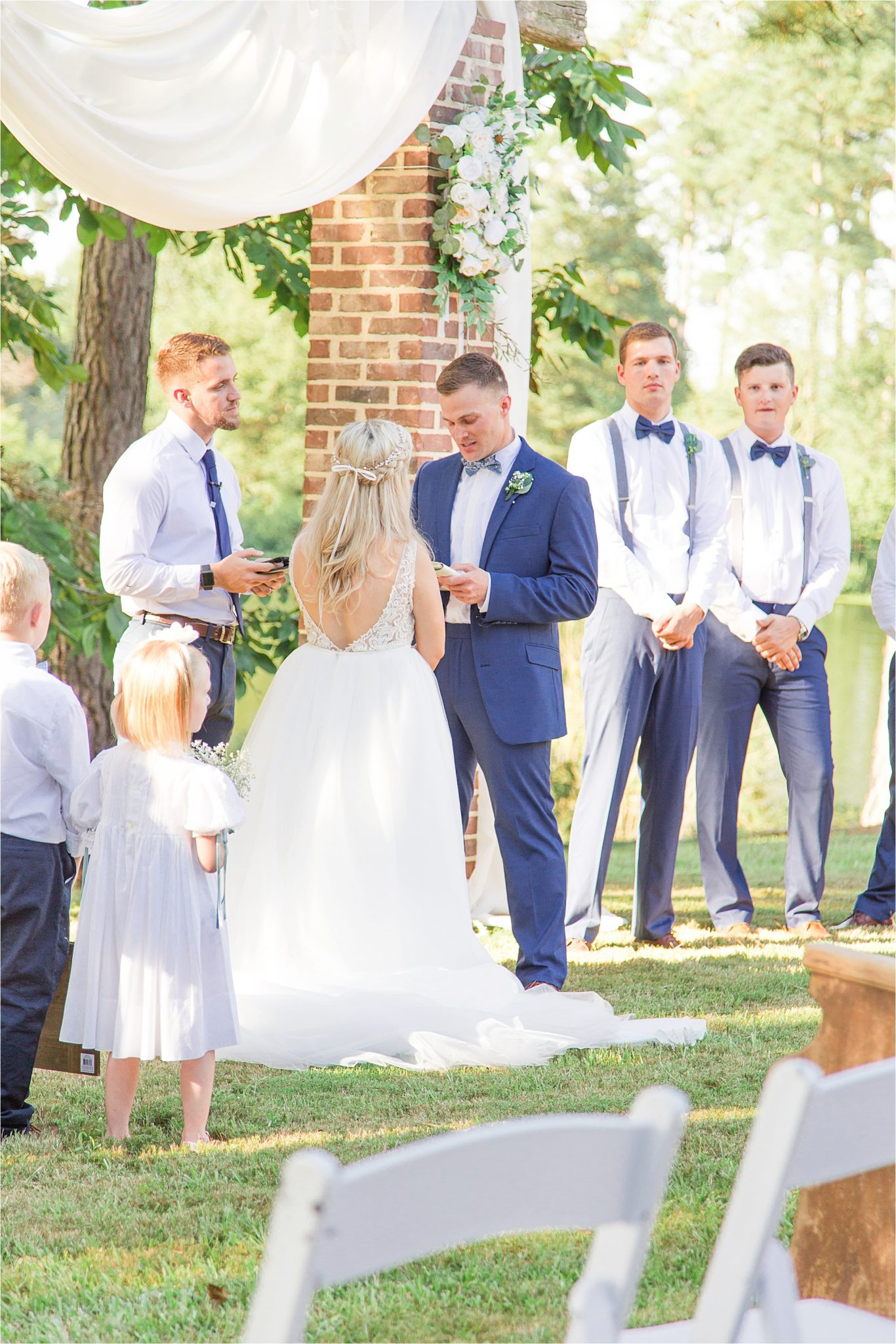 wedding-ceremony-alabama-wedding-photographer-blue-navy-vows
