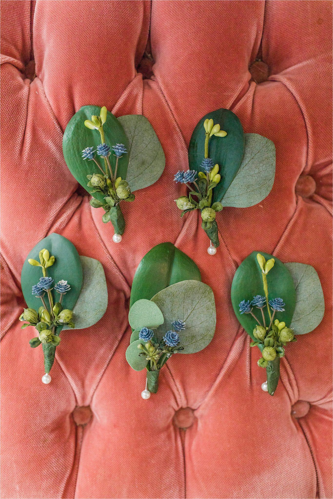 groomsmen-corsage-periwinkle-raspberry-wedding-greenery-leaves-alabama-wedding-photographer