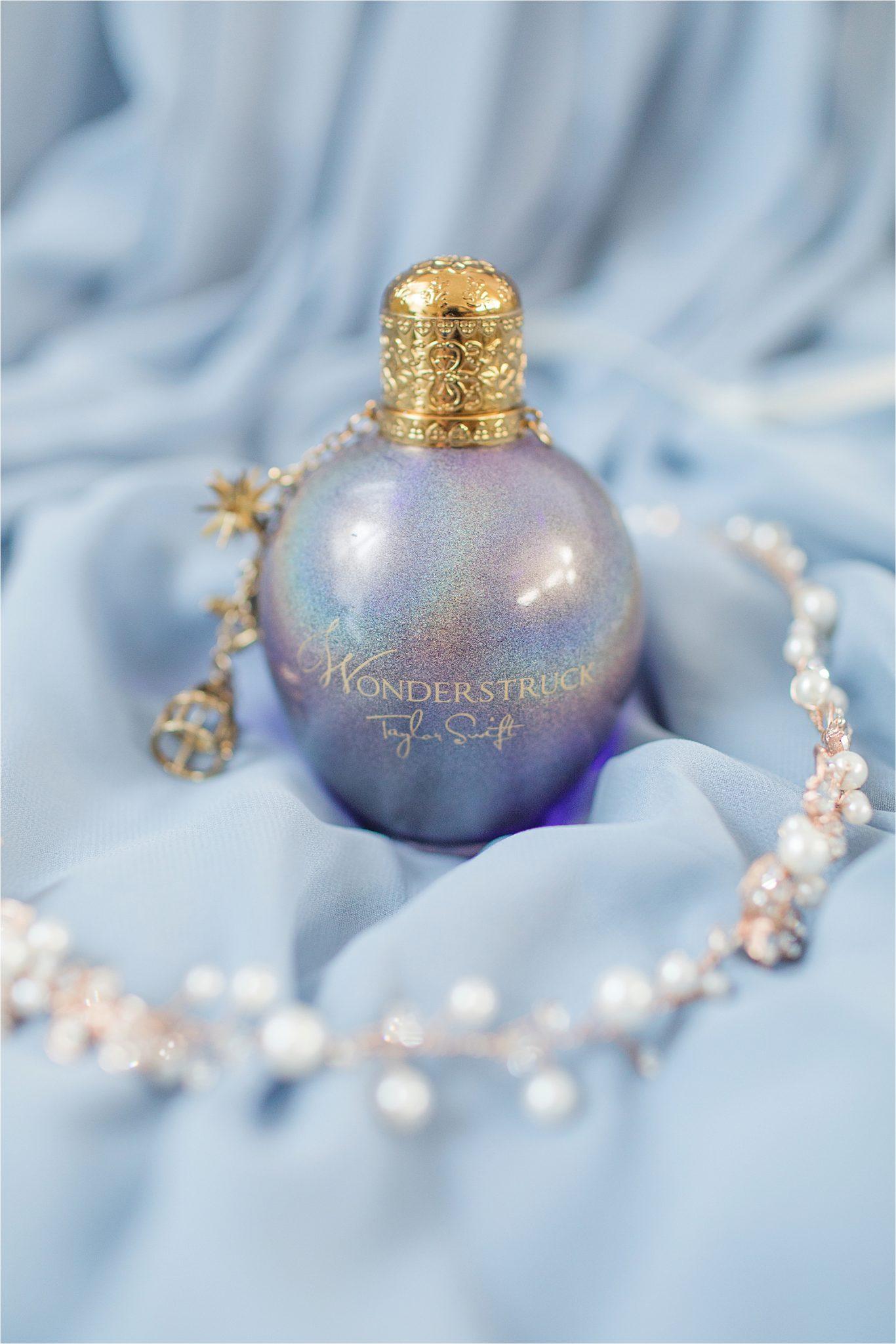taylor-swift-wonderstruck-perfume-bottle-bridal-details