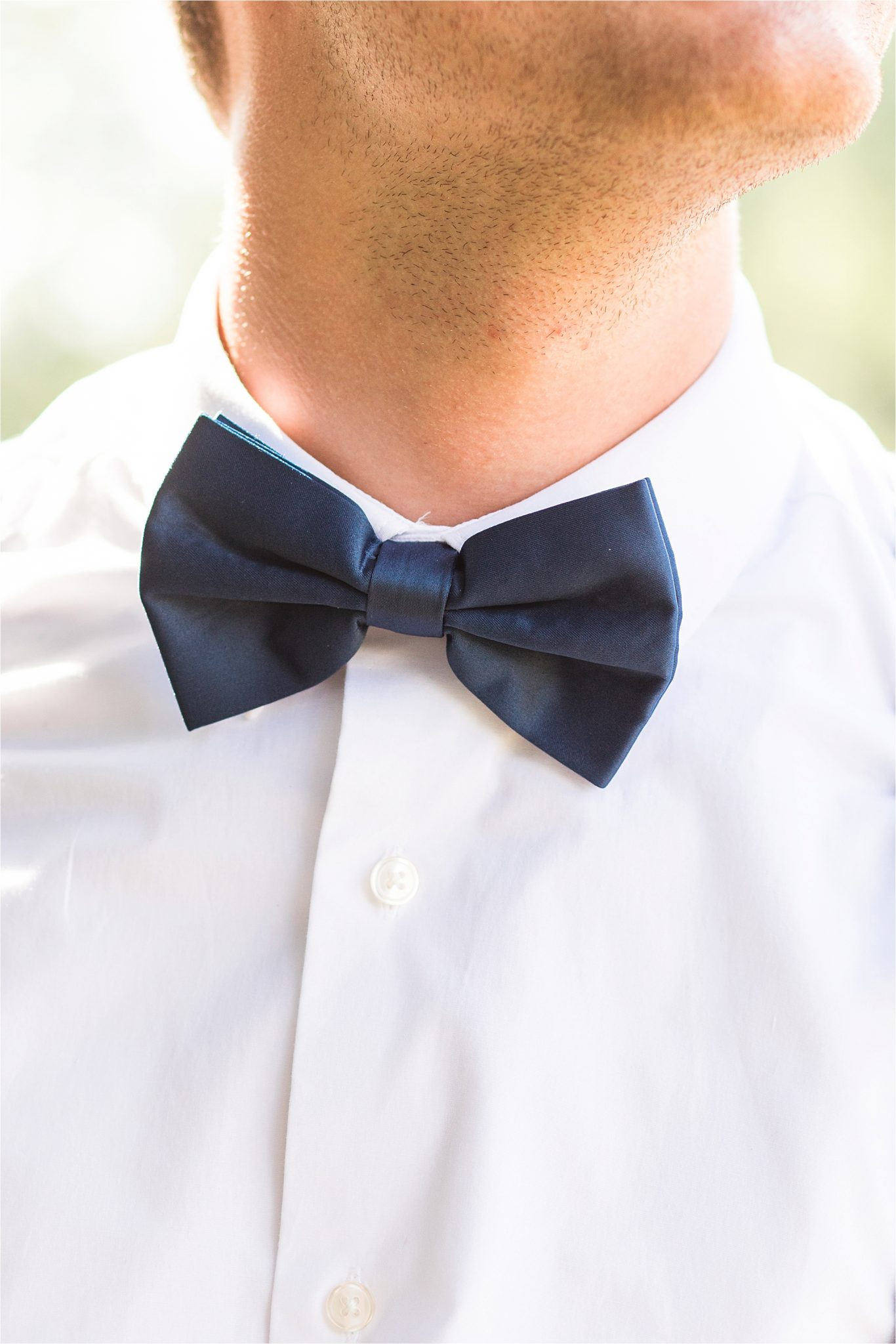 groomsmen-simple-navy-blue-bow-tie-deep-tight-knot