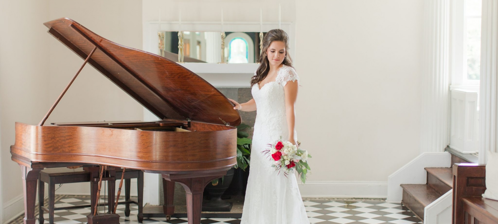 Bridal Session at the Pillars Mobile Alabama Wedding Venue-2